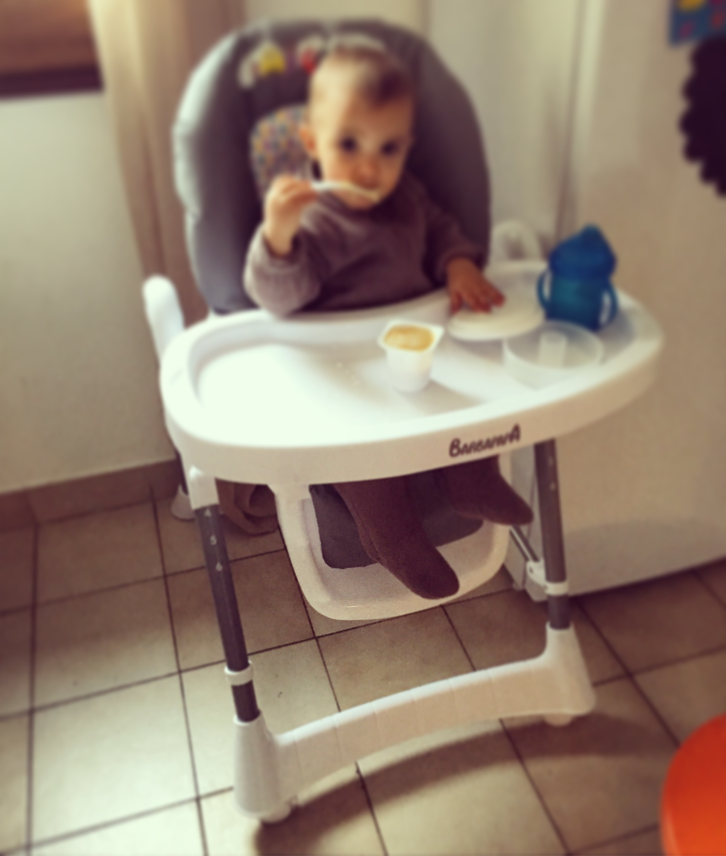 Concours et test la chaise haute barbapapa autour de b b for Autour de bebe portet