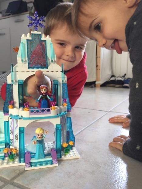 Lego disney princesses Elsa reine des neiges palais des glaces